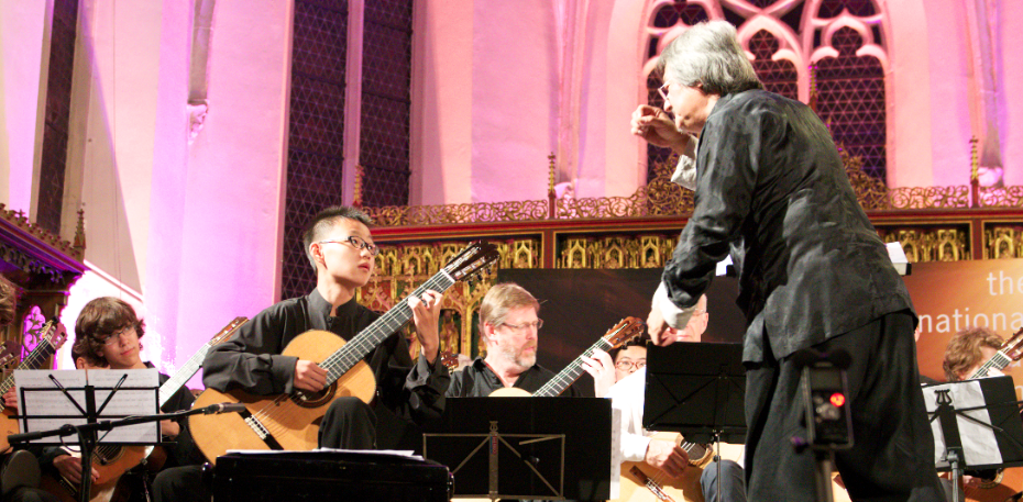 Junhong Kuang play in Iserlohn guitrasymposium 2013!